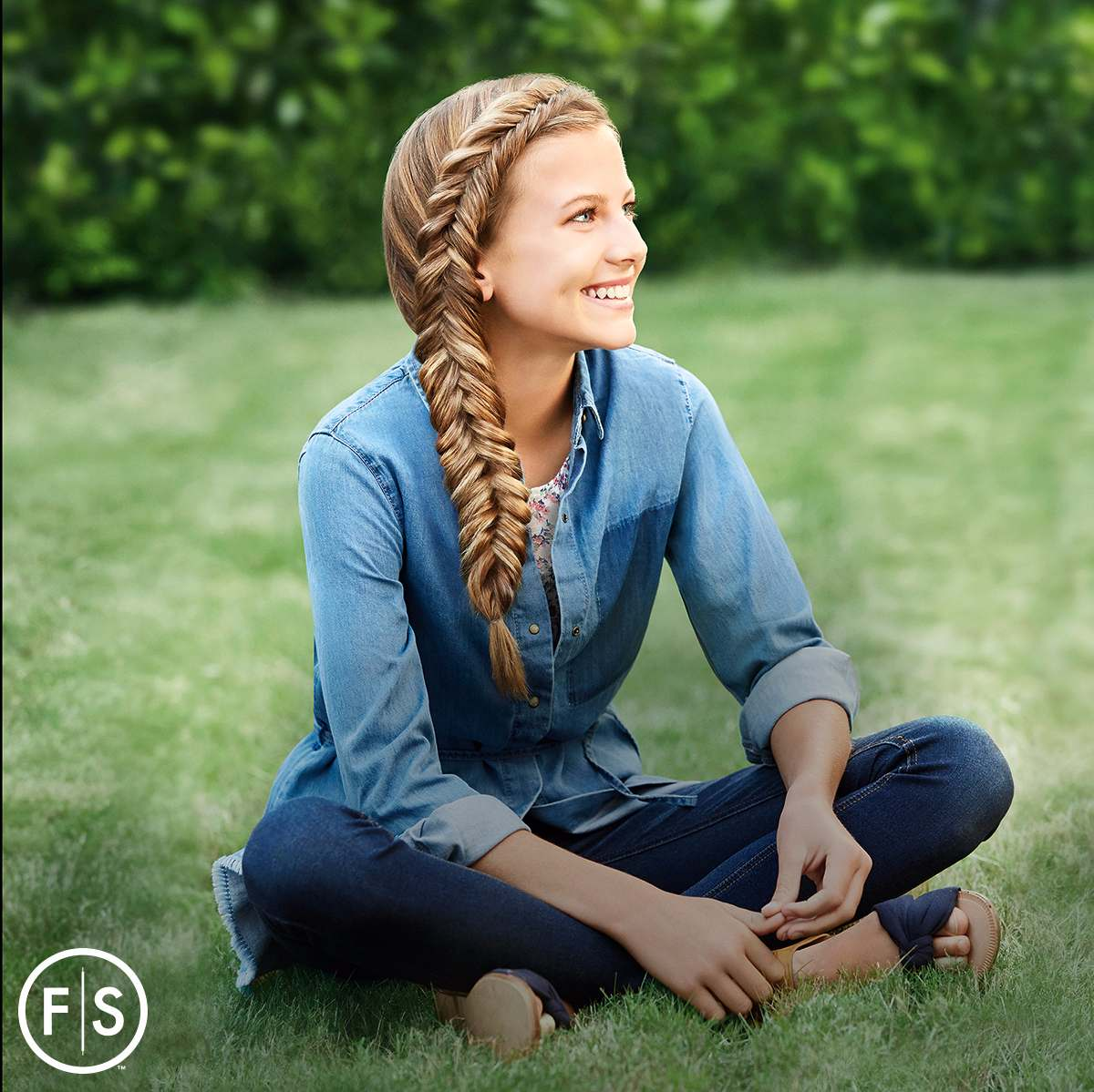 Fishtail_Braid_Hairstyle.jpg